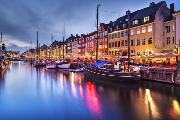 Unique apartment in famous Nyhavn