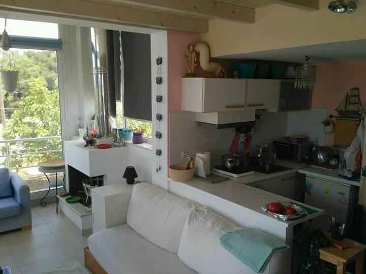 Loutsa Σπίτι με θέα (Cozy Summer Village 2)
