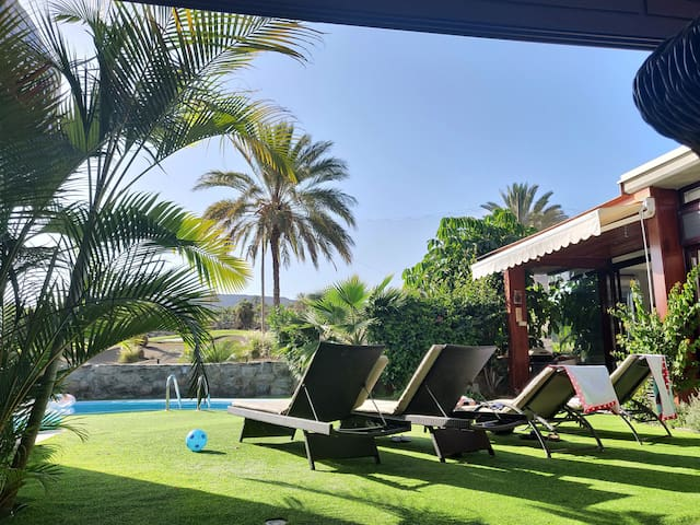 Villa Carmela Anfi Tauro - hot tub and sea views