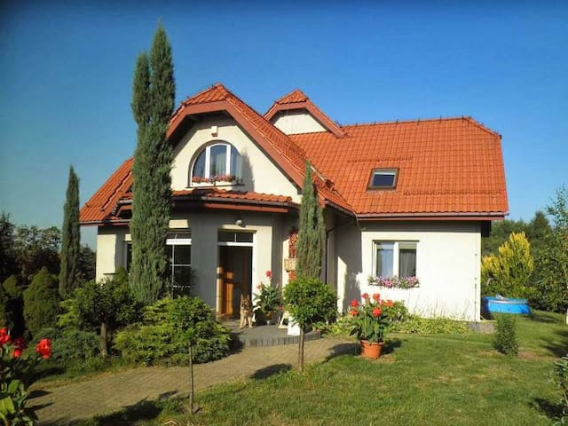 WIELICZKA: 2 clean rooms (2 & 3 beds) + bathroom.
