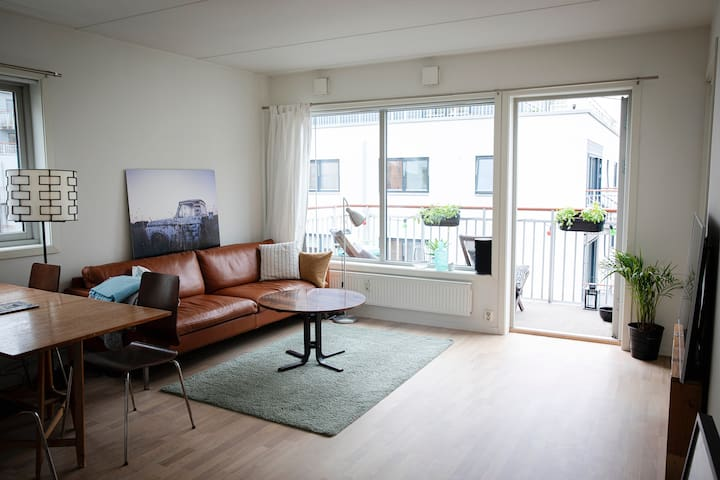 Very central, cosy 2 bedroom apartment