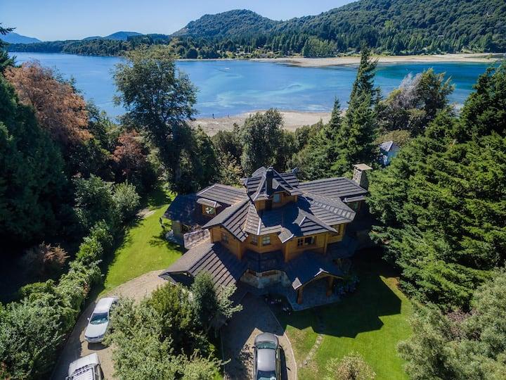 Casa con Costa y Playa de Lago Nahuel Huapi