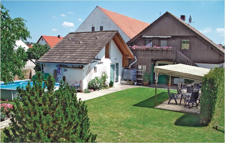 Holiday apartment with 1 bedroom on 58 m² in Treuchtlingen