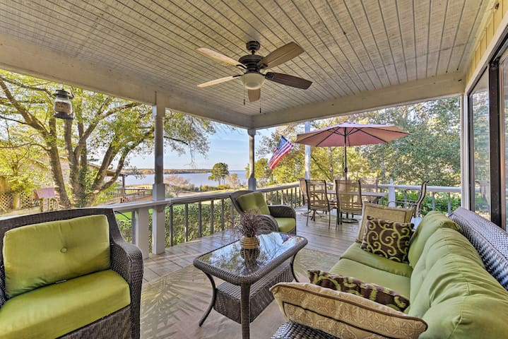 NEW-Waterfront Huntsville Area Home on Golf Course