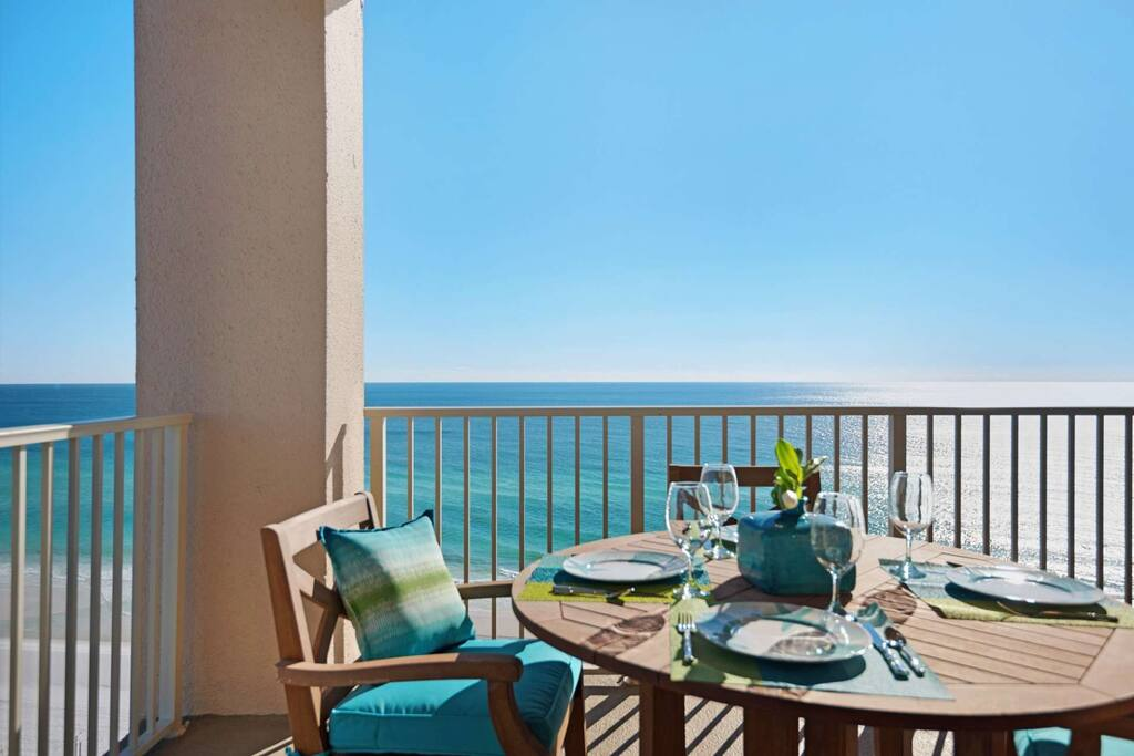 Enjoy your meals and amazing gulf views from the 13th floor balcony