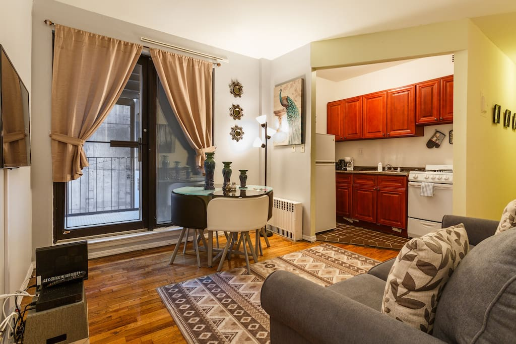 Beautiful midtown 2bedrooms with a balcony appartamenti for Appartamenti midtown new york