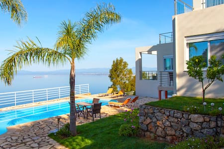 Amazing sea view villa in Kalamata - Paralia Vergas - Vila