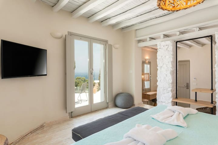 seaview luxury suite in mykonos town!