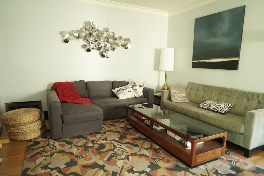 Living room with Mid Century Modern furnishings