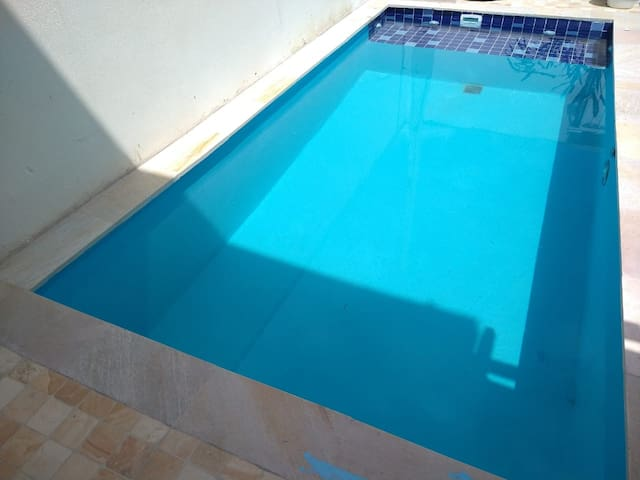 Casa nova com piscina e churrasqueira