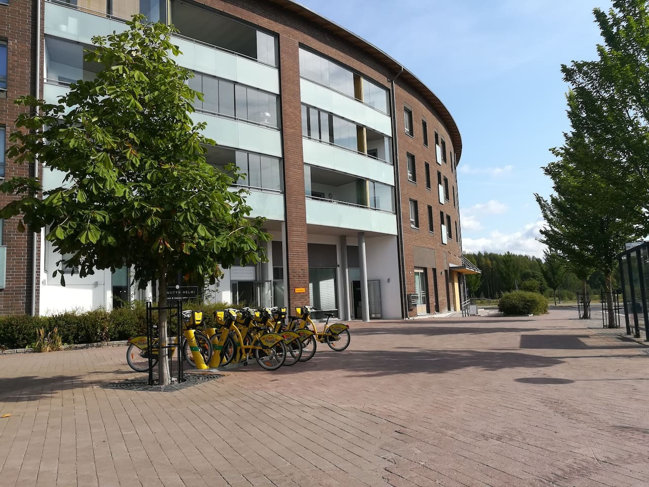 The main buliding of the apartment. N. B: entrance is at back of the building.