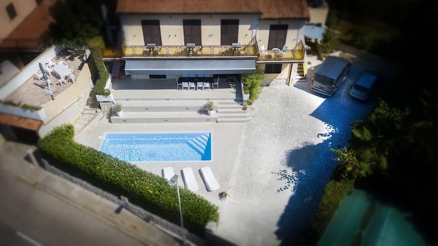 Studio Roko with pool!