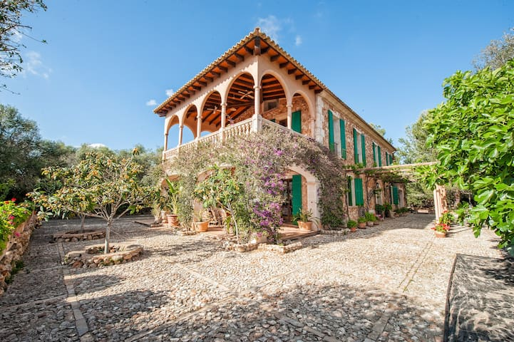 Excellent country villa with all the details and a