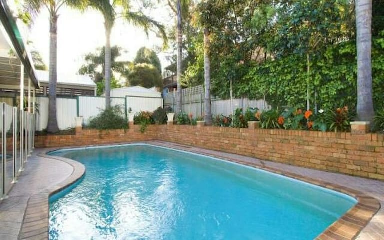 Family friendly home away from home - Shellharbour - House