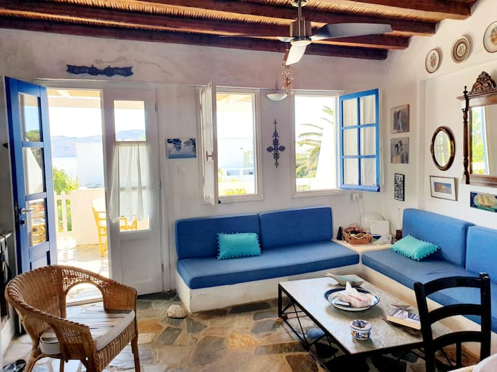 Beautiful comfy Serifos House (20m from Sea)