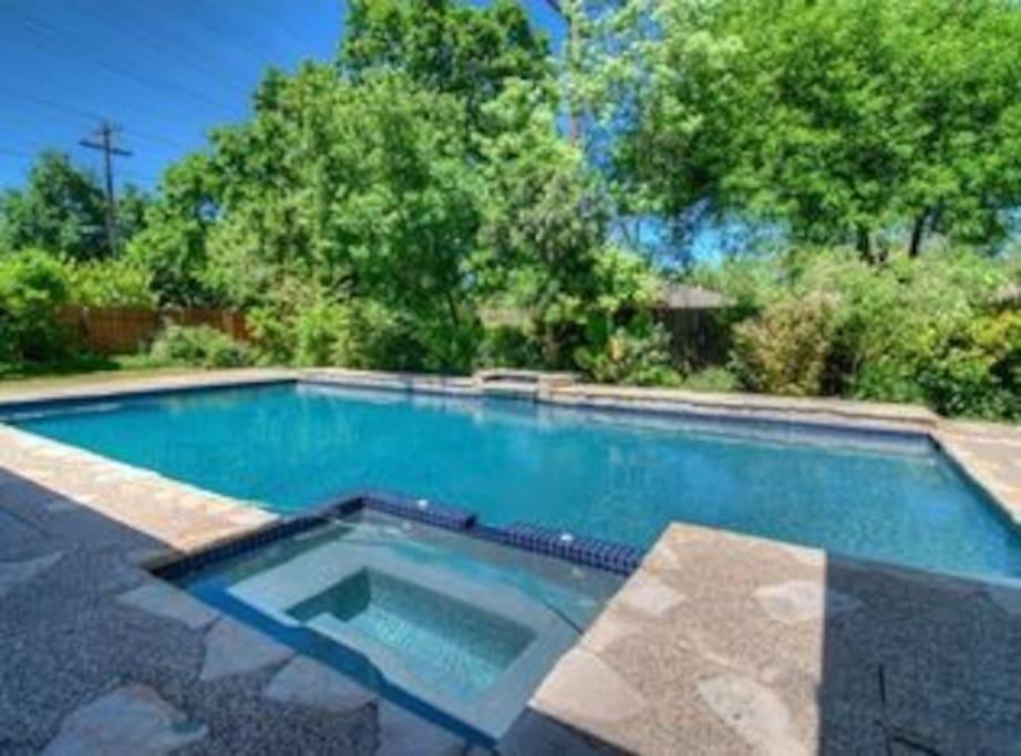 Huge 900 sq foot pool