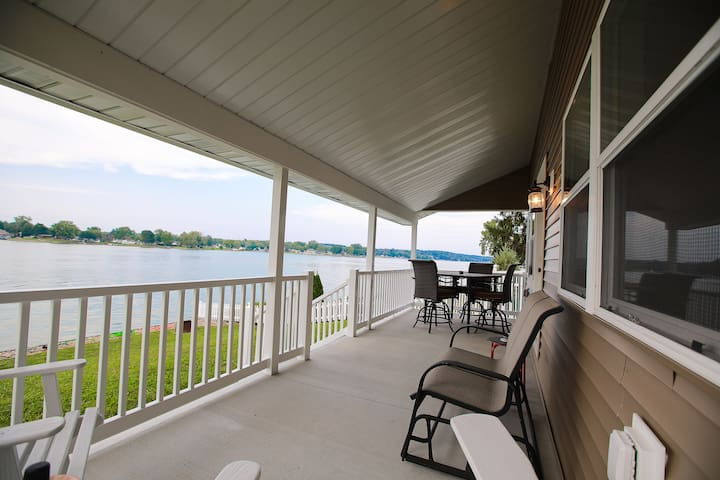 Large porch to sit and relax
