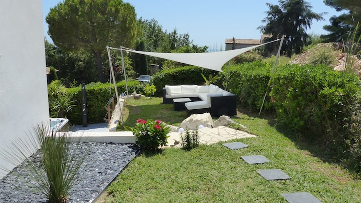 Deux pièces climatisé-jardin individuel-spa