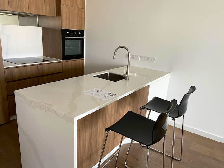 1 BR moonee ponds  central location
