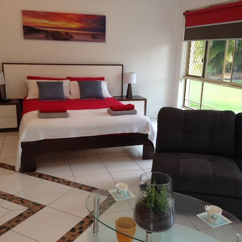 Private & Luxury Studio Apartmant - Thornlands - Bed & Breakfast