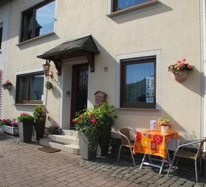Gästezimmer Rheinfelsblick in ruhiger Lage