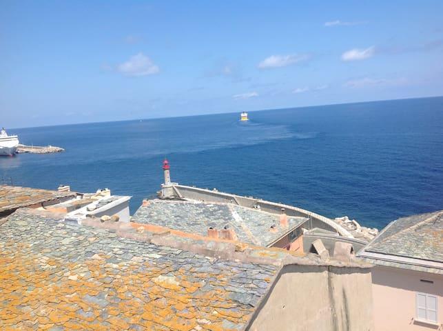 Appartement vue mer citadelle Bastia