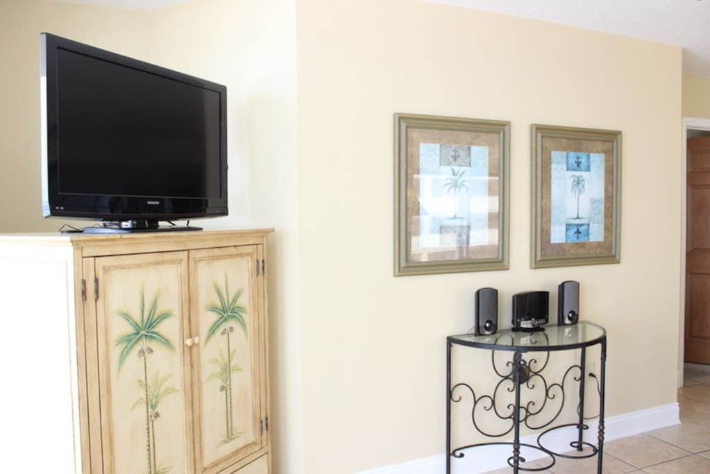 """Don't miss your favorite show or the """"big game"""" with this flat-screen TV (if you can tear your eyes away from the view)!"""