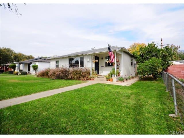 Cozy, nice, mid-century modern home