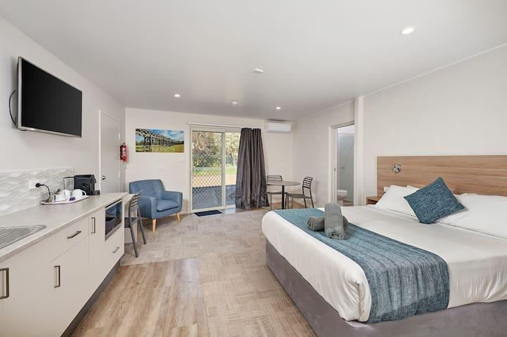 Gundagai Tourist Suites - Triple Suite