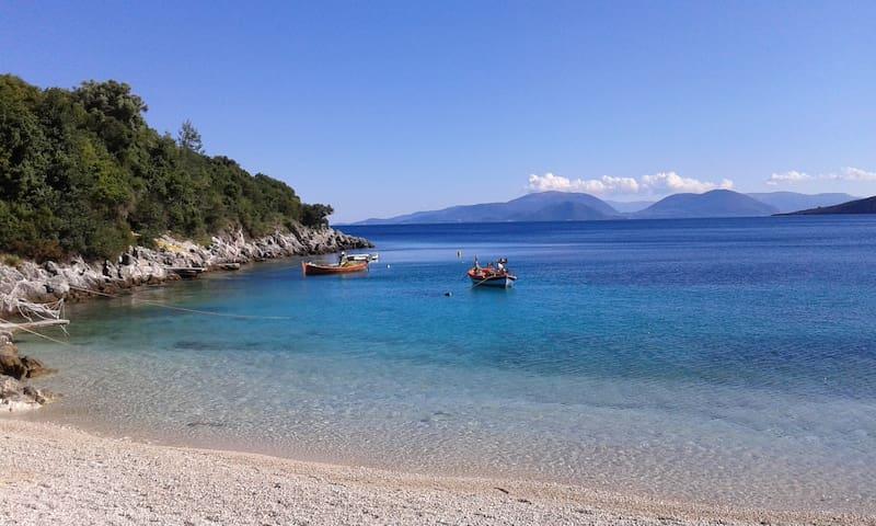Η παραλία του χωριού Εύγηρος Αφτέλι   The beach of our village Evgiros, Afteli or Skydi.