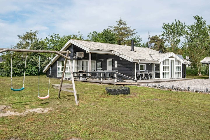 Cosy Holiday Home in Ebeltoft with Table Football