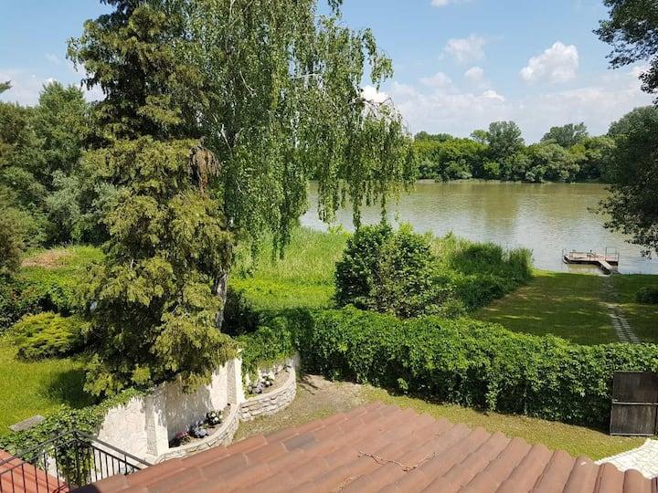Duna-parti Apartman terasszal 4 fős