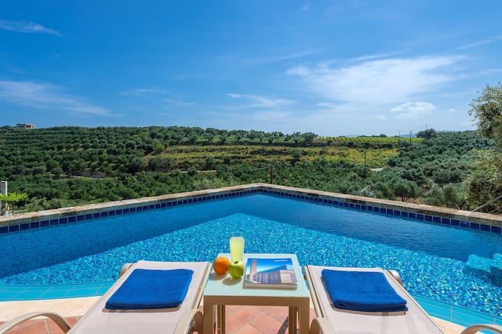 Rainbow Villas  - Blue Villa II - Private Pool!