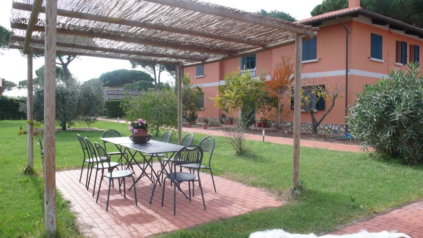 Fattoria di Tirrenia - Three bedroom apartment