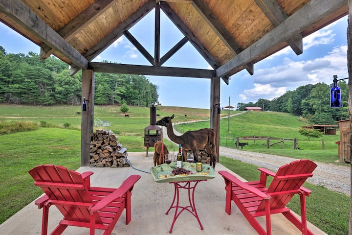 NEW! Thurmond Cabin on Alpaca Farm Near Wineries!