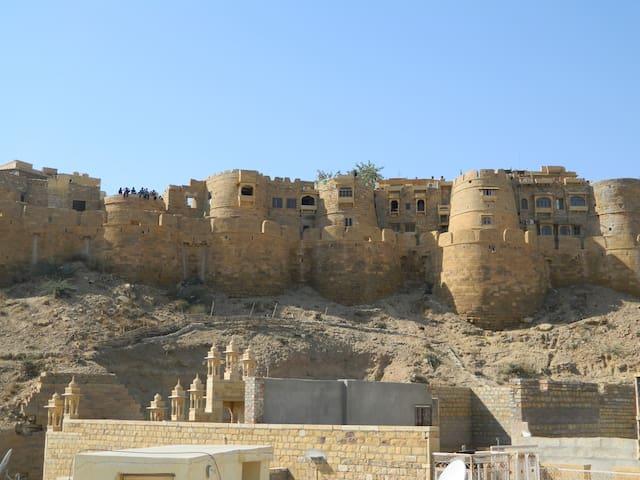 A Cozy Peaceful Home near the Jaisalmer Fort!