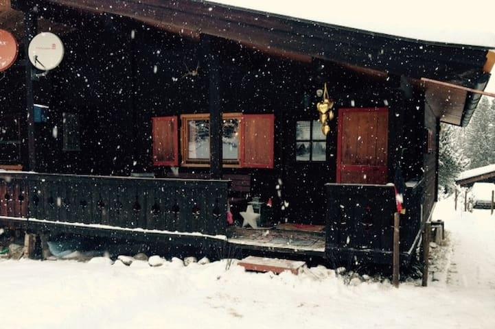 Urige Ski- und Wanderhütte in Hochkrimml, Tirol - Hochkrimml - Hytte