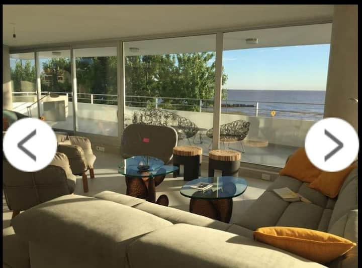 Hermoso departamento con vista al Rio / 4 personas