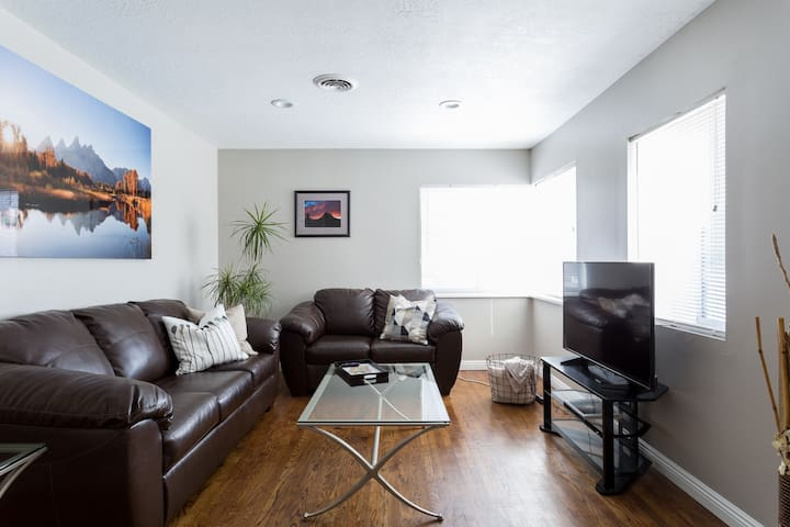 New listing special!  2 Bd that sleeps 6.