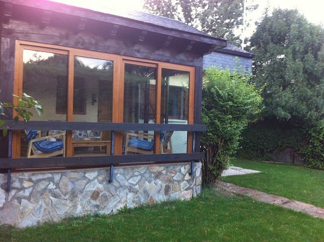 casita de campo en el parque natural de peñalara - Los Grifos - Haus