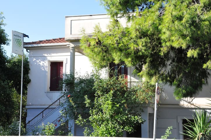 mellifera's farm & guesthouse-Aigio - Egio - Maison