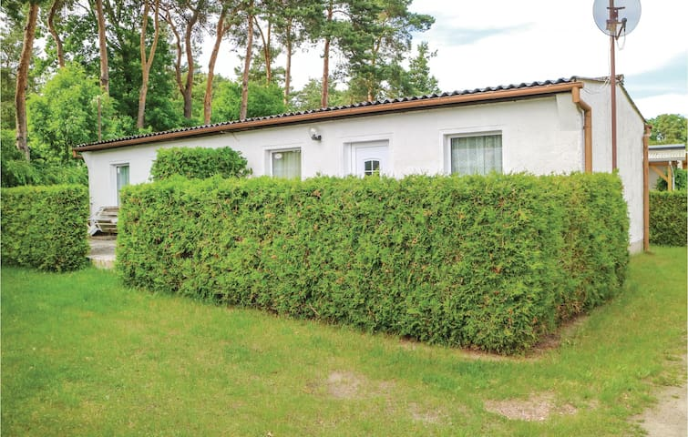 Semi-Detached with 1 bedroom on 32 m² in Bellin