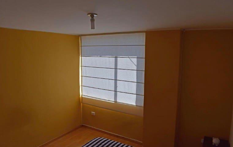 Habitación privada al norte de Quito