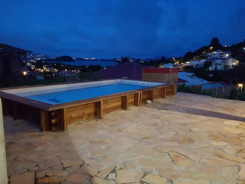 Appartement avec  magnifique vue mer et piscine