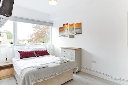 Want To Relax? Stay here! its clean & new (A11) - London