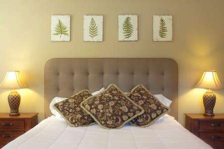 Huge In-law Suite in the heart of the Broadmoor