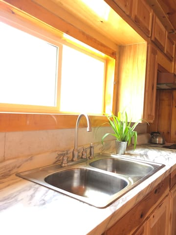 Gorgeous renovated Cabin on Dream Lake NEW LISTING