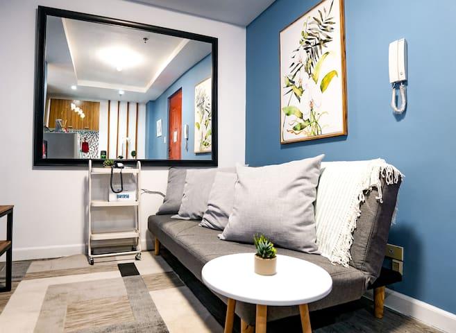 Sunny One Bedroom with Netflix in Ortigas @Indigo