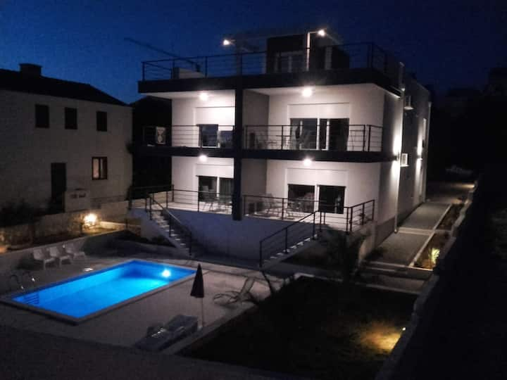 Apartment,s Peric Novalja