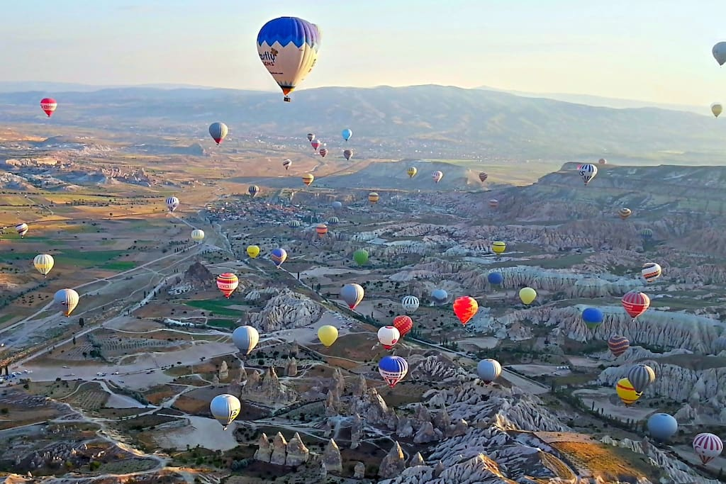HOT AIR BALLOONS - A special way to see the unique landscape in Cappadocia